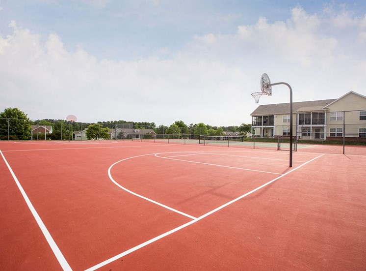 Basketball Court at Crosstimbers Apartments