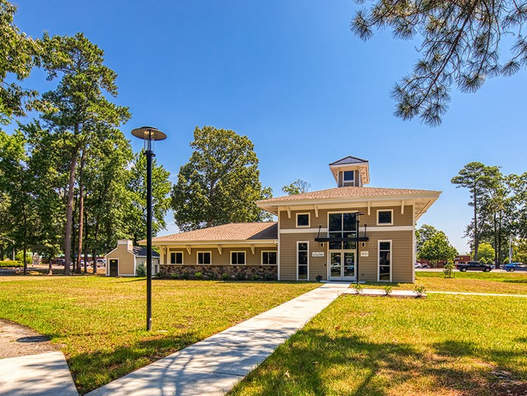 Clubhouse_Exterior_Compass_At_City_Center_Apartments