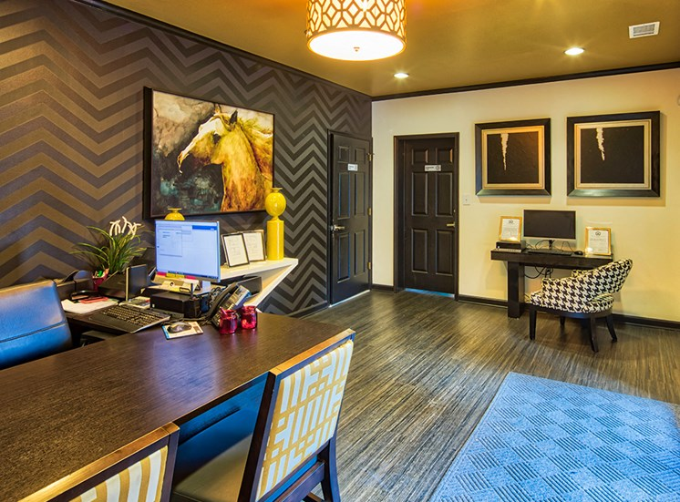 Leasing Townhomes at Millspring Commons