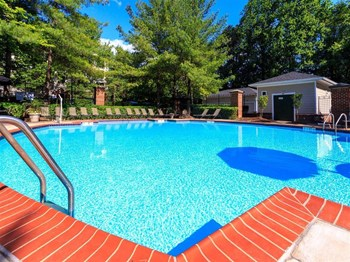 916 Beacon Square Ct 1-2 Beds Apartment for Rent Photo Gallery 1