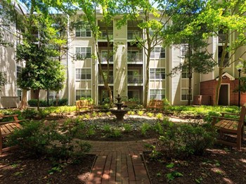 916 Beacon Square Ct 2 Beds Apartment for Rent Photo Gallery 1