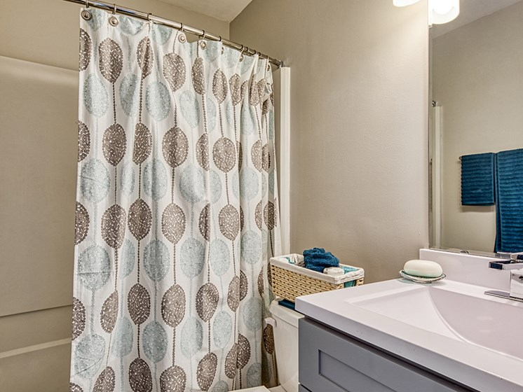 Bath_Compass_At_City_Center_apartments in Newport News Va
