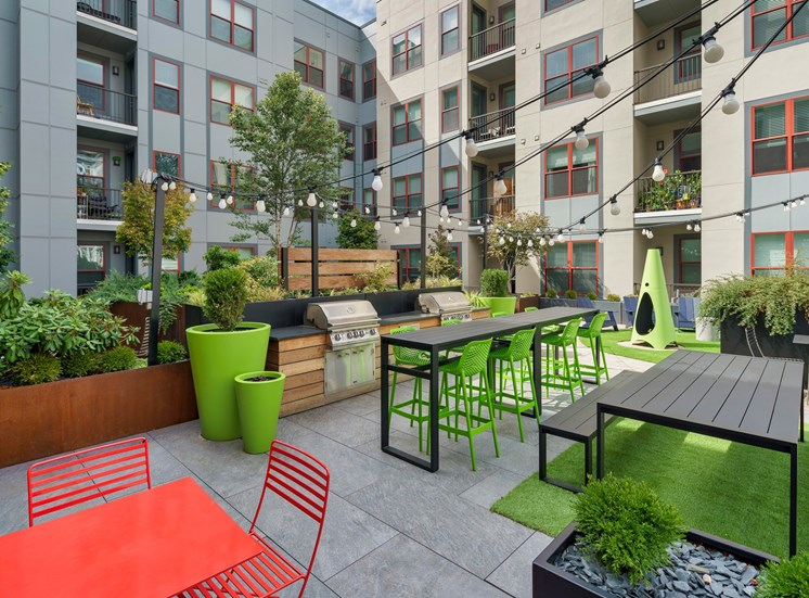 Outdoor grills at luxury apartments in Columbus OH