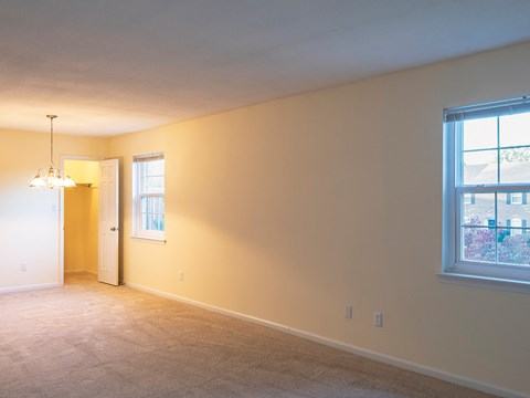 Old Donation Apartments in Virginia Beach living room