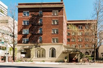 1410 SW Broadway Studio Apartment for Rent Photo Gallery 1