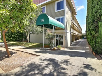 14 Highland Avenue 2 Beds Apartment for Rent Photo Gallery 1