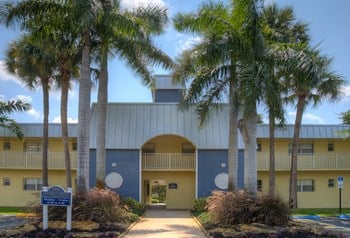 1201 S.E. Palm Beach Road 1-3 Beds Apartment for Rent Photo Gallery 1