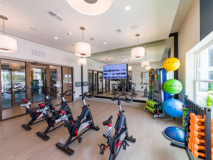 Ciel Luxury Apartments | Jacksonville, FL | Yoga, Spin & TRX Training Zone
