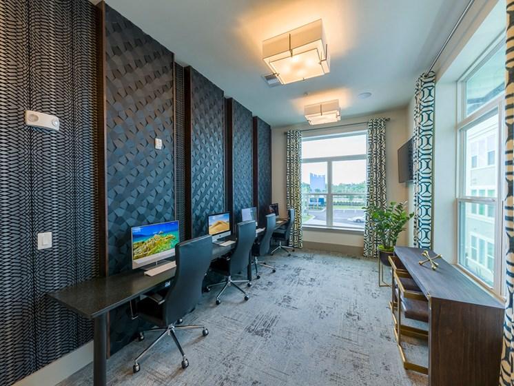 Ciel Luxury Apartments | Jacksonville, FL | Cyber Cafe