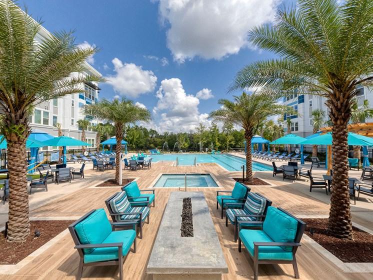 Ciel Luxury Apartments | Jacksonville, FL | Outdoor Fire Pit