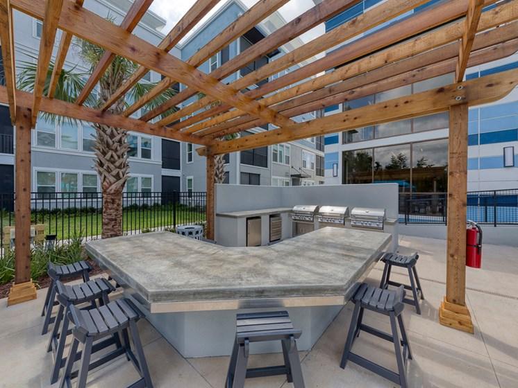 Ciel Luxury Apartments | Jacksonville, FL | Outdoor Kitchen
