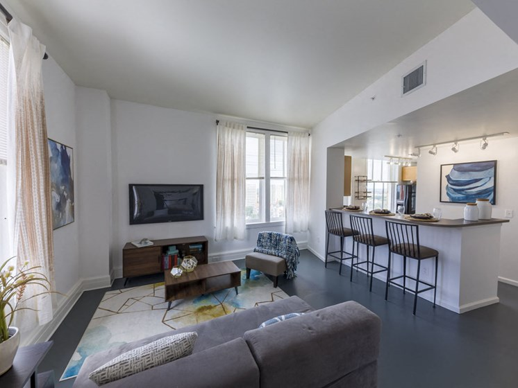 11 East Apartments | Downtown Jacksonville, FL