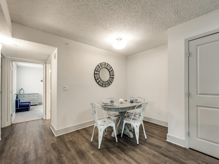 Bahia Cove Apartments Dining Room