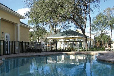 Oaks at Stone Fountain Pool