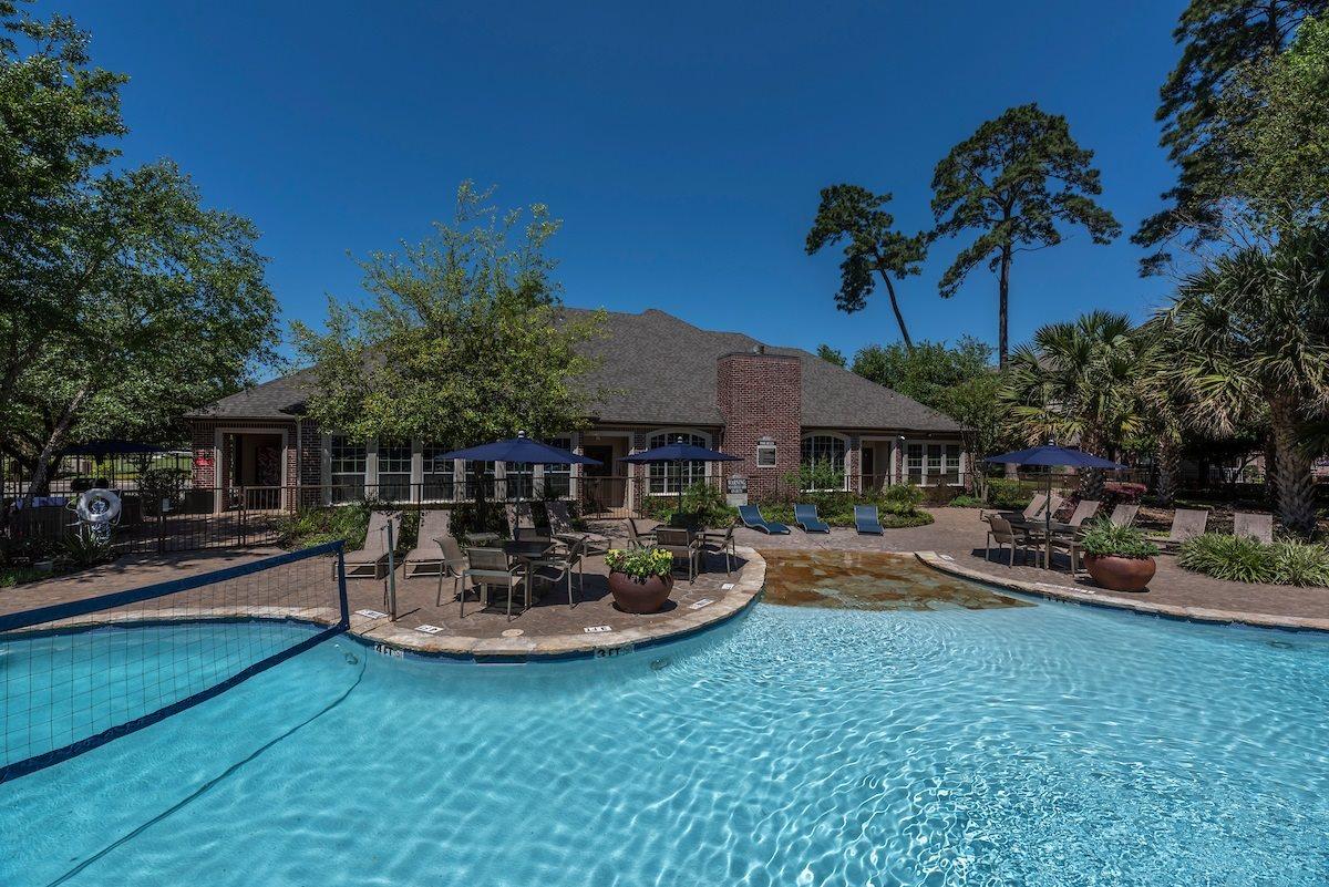 Harbor Cove Apartments Pool