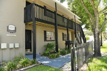310 South Orleans Avenue 2 Beds Apartment for Rent Photo Gallery 1