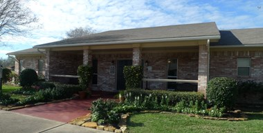 704 East Waring 1-2 Beds Apartment for Rent Photo Gallery 1