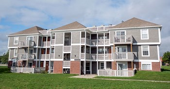 415 NE Delaware Ave 1-3 Beds Apartment for Rent Photo Gallery 1