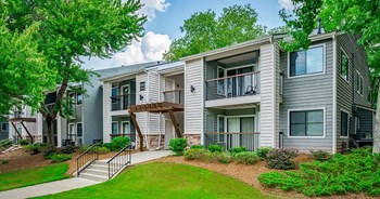 2200 Montrose Pkwy 1-2 Beds Apartment for Rent Photo Gallery 1