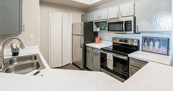 1635 Jefferson Cliffs Way 1-2 Beds Apartment for Rent Photo Gallery 1