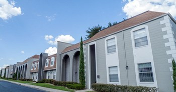 225 E. Edgewood Drive 1-3 Beds Apartment for Rent Photo Gallery 1