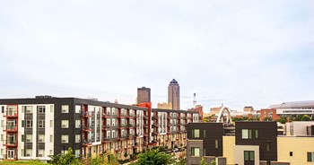 700 East 5Th Street 3 Beds Apartment for Rent Photo Gallery 1
