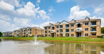 1601 Towne Crossing Boulevard 1-3 Beds Apartment for Rent Photo Gallery 1