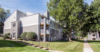4200 Park Avenue 1-3 Beds Apartment for Rent Photo Gallery 1