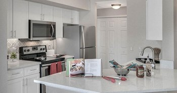 2415 Treasure Landing Parkway 1-3 Beds Apartment for Rent Photo Gallery 1