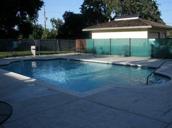 1424 Alamo Dr. 1 Bed Apartment for Rent Photo Gallery 1