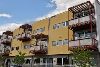 525 E. 15th Street 1-2 Beds Apartment for Rent Photo Gallery 1