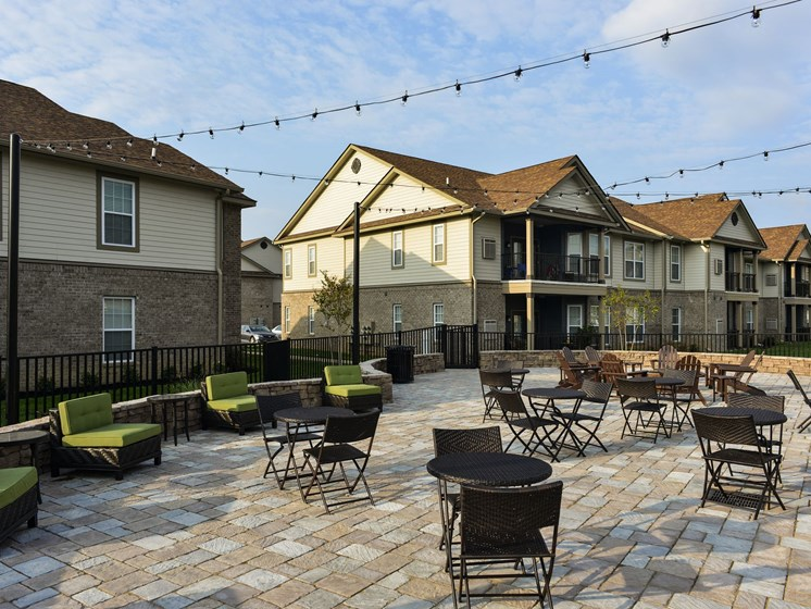 Social Seating Area at 9910 Sawyer Apartment Homes in Louisville, Kentucky, KY