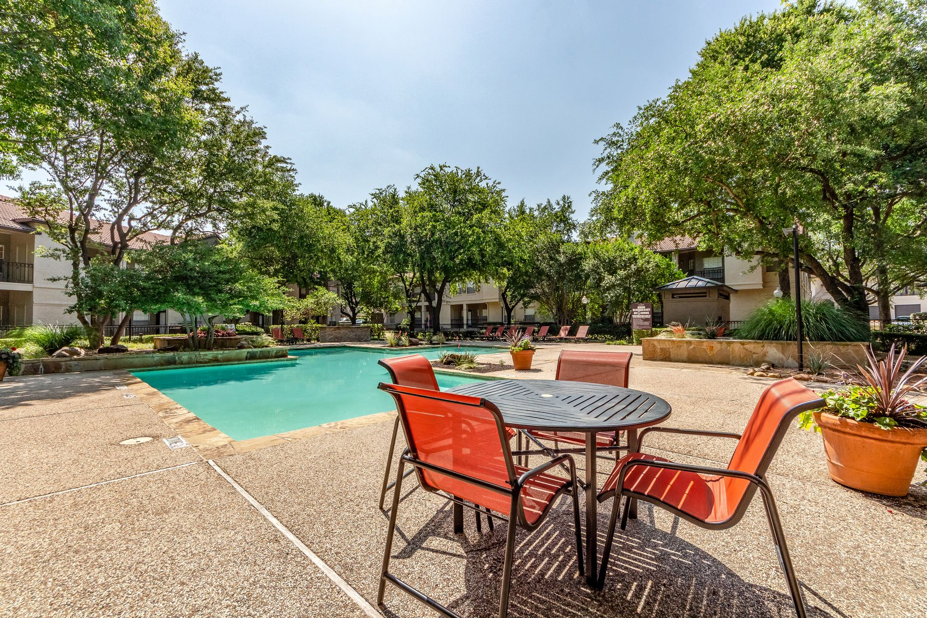 Poolside Seating at La Costa Apartments in Plano, Texas, TX