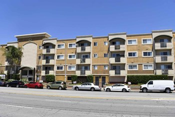 5112 Sepulveda Blvd. 1-2 Beds Apartment for Rent Photo Gallery 1