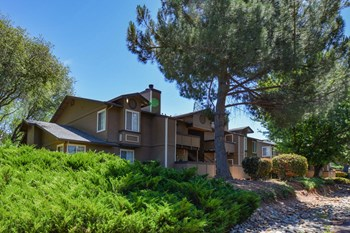 2701 La Crescenta Drive 1-2 Beds Apartment for Rent Photo Gallery 1