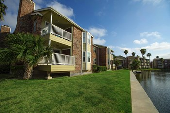 3102 Cove View Blvd 2 Beds Apartment for Rent Photo Gallery 1