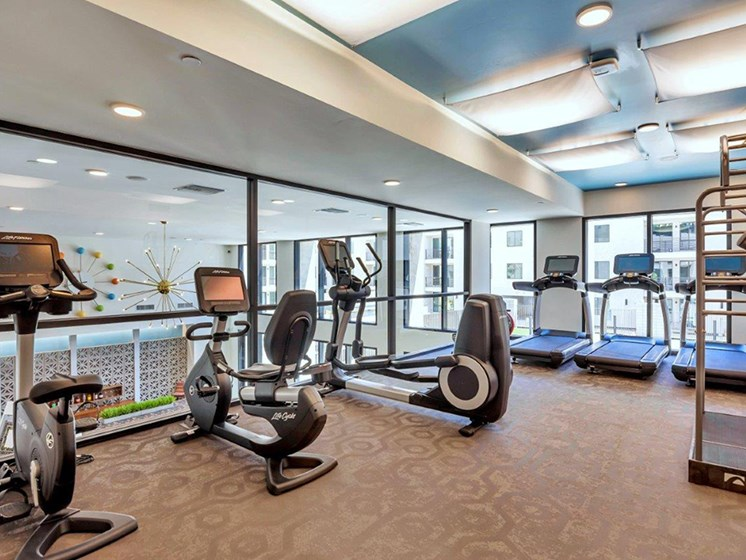 Fitness centre at The Curve at Melrose Luxury Apartments, Phoenix, AZ, 85013