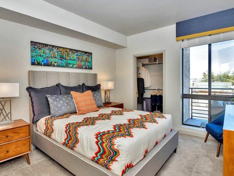 Bedroom at The Curve at Melrose Luxury Apartments, Phoenix, AZ, 85013