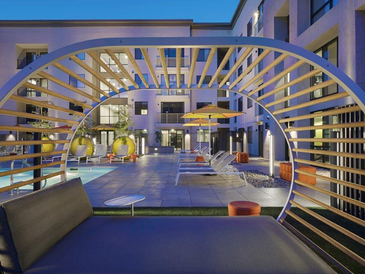 Resort Style Pool at The Curve at Melrose Luxury Apartments, Phoenix, 85013