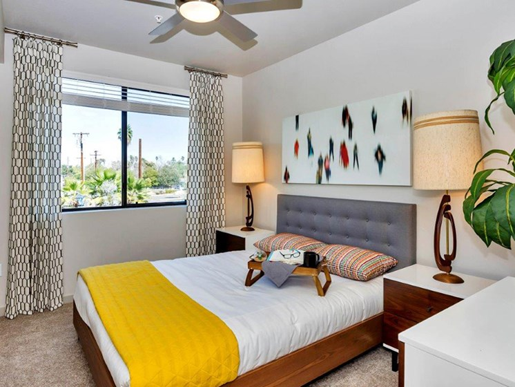Bedroom at The Curve at Melrose Luxury Apartments, Phoenix