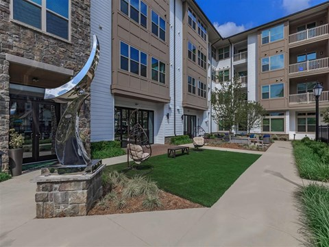Berewick Pointe Courtyard With Green Space in Charlotte, NC Rental Homes