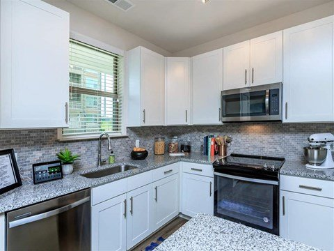 Granite Countertops at Berewick Pointe, Charlotte
