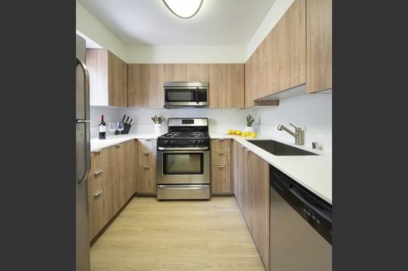 Granada-Hills-Apartments-Mysuite-At-Granada-Hills-Co-Living-Suite-Kitchen