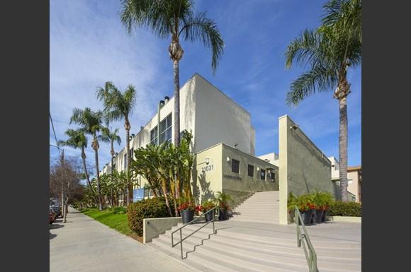 NMS-Warner-Center-San-Fernando-Luxury-Apartment-Facade-Daytime-6.jpg