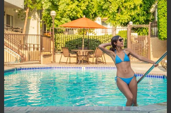 NMS-Northridge-Luxury-Apartment-Exterior-Pool-Model