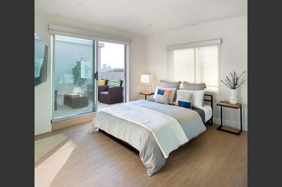 West-Los-Angeles-1759-Beloit-Loft-Bedroom