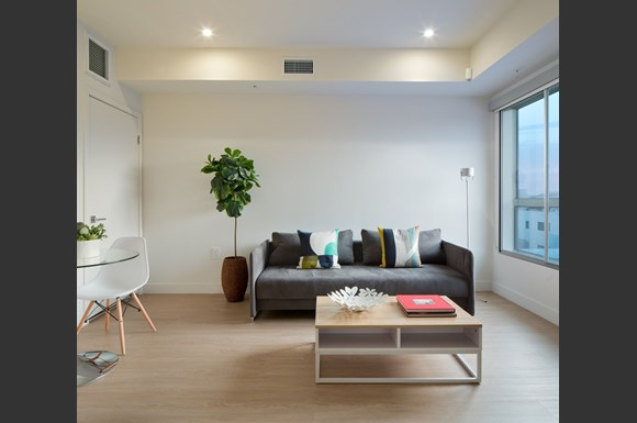 West-Los-Angeles-1759-Beloit-One-Bedroom-Living-room