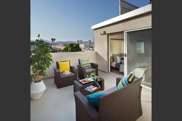 West-Los-Angeles-Luxury-Apartment-1759-Beloit-Loft-private-Balcony.jpg