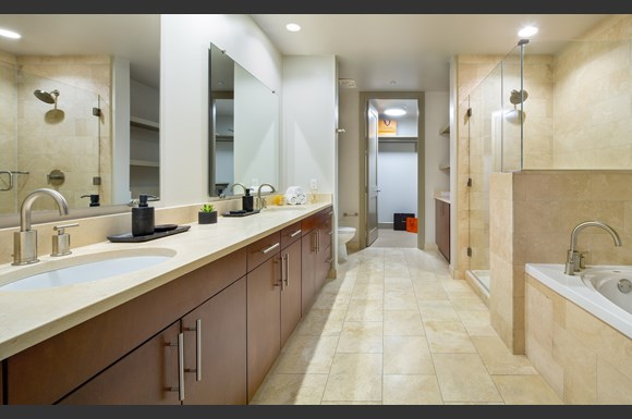 Westwood Luxury-Apartments-Wilshire-Victoria-Unit-401-Bathroom.jpg