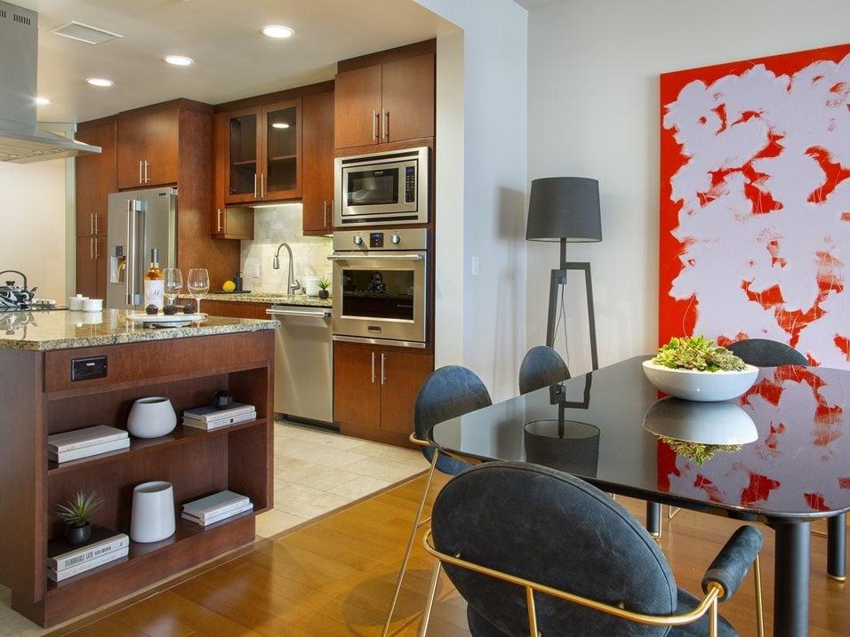 westwood luxury-apartments-wilshire-victoria-unit-401-kitchen